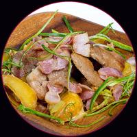 Свинина с беконом и картофелем