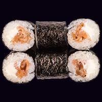 Сяке маки с пряным лососем сливочный